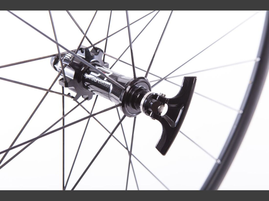 MB Eurobike Award 2015 Speed Release 6mm thru-axle  (jpg)
