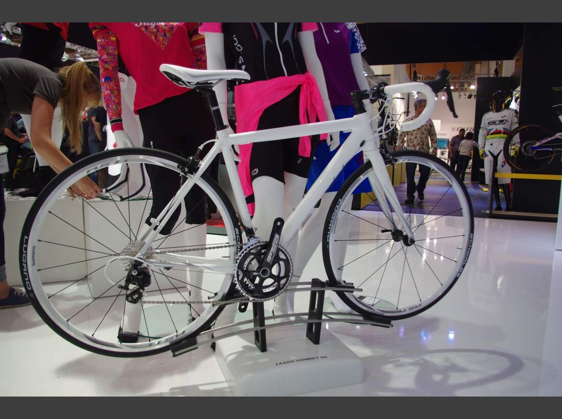 RB-Cannondale-CAAD10-Womens-10S-Eurobike-2014-1 (jpg)