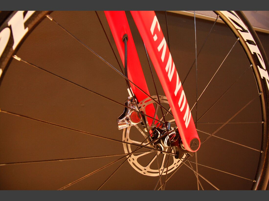 RB-Canyon-Aeroad-Disc-2017-rot6 (jpg)