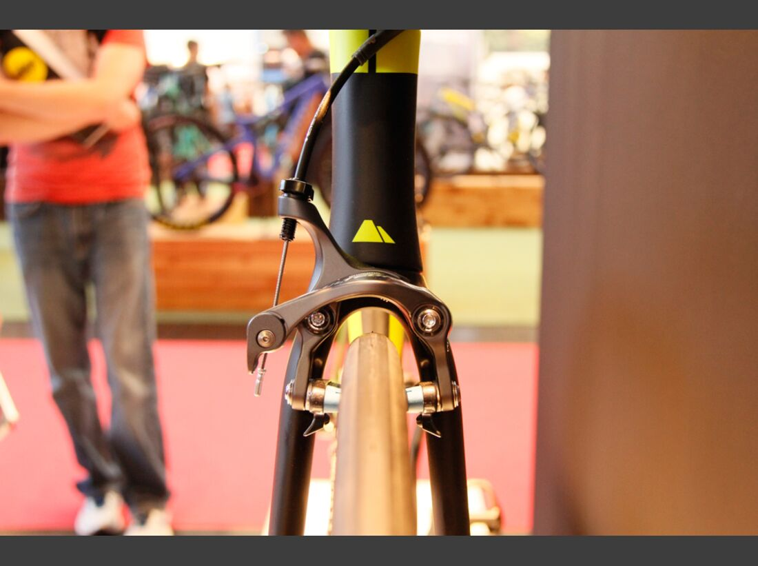 rb-2016-eurobike-canyon-speedmax-cf-front (jpg)