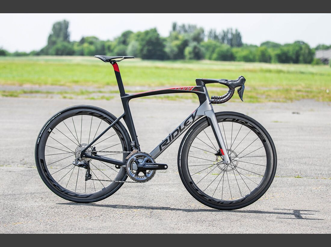 rb-ridley-noah-fast-disc-Entire-Bike.jpg